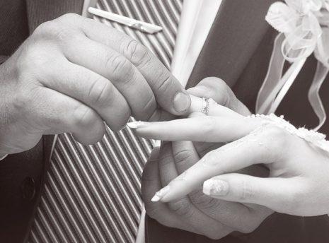 Engagement تفسير حلم الخطوبة للبنت العزباء في المنام