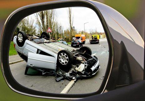 تفسير حلم رؤية حادث سيارة في المنام للبنت العزباء والمتزوجة وللحامل