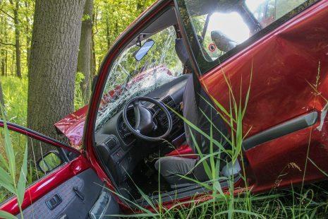 تفسير حلم رؤية حادث سيارة أو حادث طرق في المنام