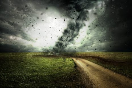 تفسير حلم رؤية الرياح والعواصف للحامل أو للمتزوجة