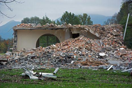 demolition home تفسير حلم هدم أو سقوط المنزل في المنام